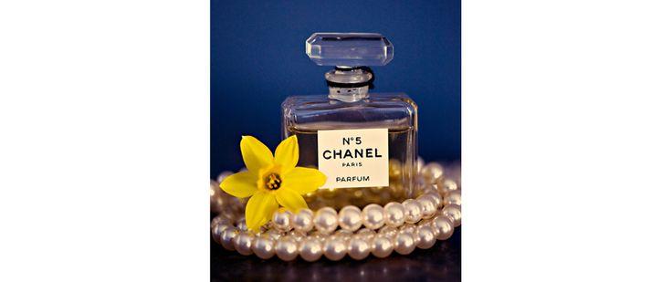 Daffodil & Chanel No. 5