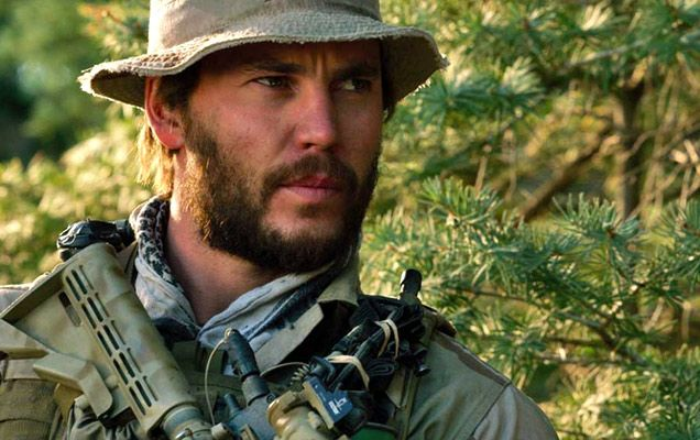 taylor kitsch lone survivor | Critics Were Left Longing For A Little Humanity After Watching 'Lone ...