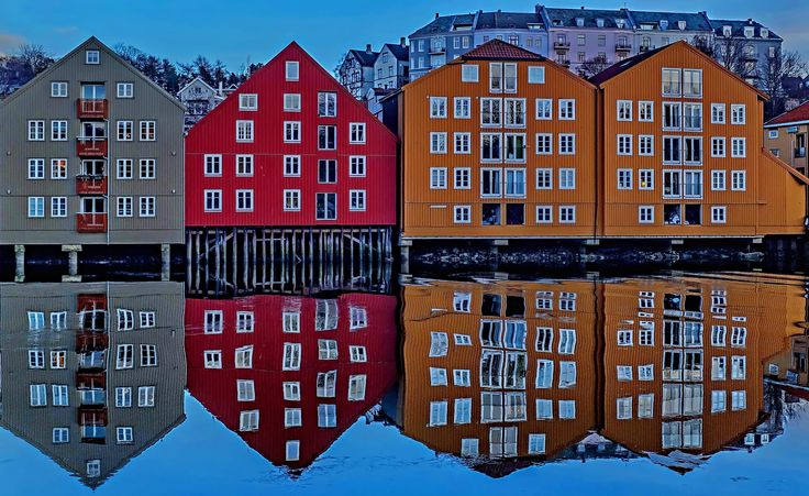 Trondheim Nidelva by Aziz Nasuti on 500px
