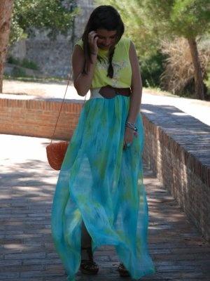 amaya-t Outfit   Verano 2012. Combinar Falda Azul cielo amayaT., Camiseta Amarillo suave Primark, Bolso Naranja calabaza Primark, Cómo vestirse y combinar según amaya-t el 28-5-2012