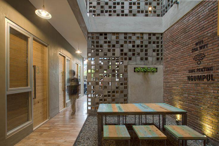 Galería de Hostal Bioclimático y biofílico / Andyrahman Architect - 1