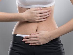 Wer kennt das nicht: Vorm Gespräch mit dem Chef steigt Übelkeit hoch, bei Beziehungsstress grummelt der Magen, mitten im sportlichen Wettkampf muss man plötzlich aufs Klo. Auf viele Belastungen reagiert der Körper mit Darmproblemen. EATSMARTER erklärt, was dagegen hilft und verspricht: Mit diesen 5 Tipps halten Nerven und Magen auch ohne WC-Pause durch.   Starke Nerven, starker Magen: 5 Tipps gegen Stress im Darm   eatsmarter.de