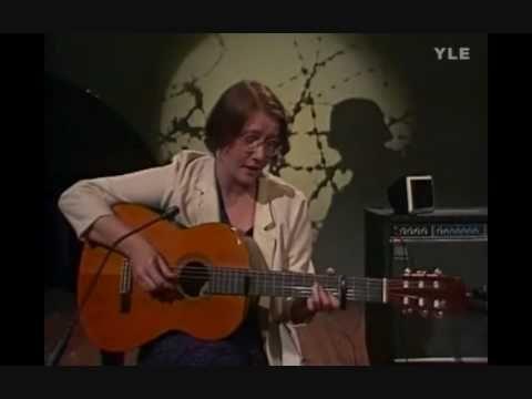 Liisa Tavi - Jäähyväiset Aseille (live in studio, 1984)