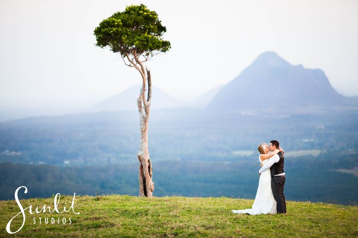 Maleny Wedding Photographer Weddings At Tiffanys Photo Ideas One Tree Hill Photos