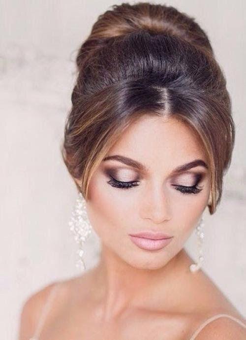 Макияж глаз.  Чтобы не отвлекать глаза гостей от платья невесты, визажисты предлагают в этом сезоне делать максимально нейтральный макияж.