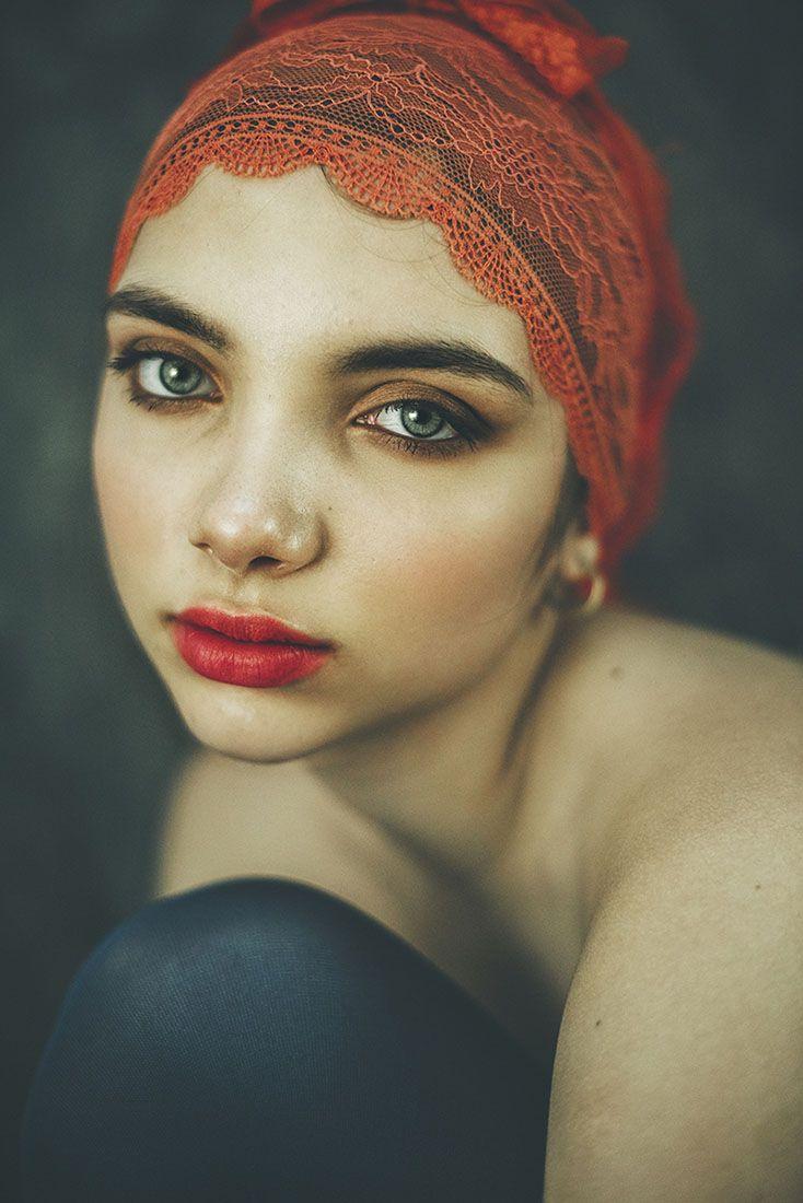 fusion model: Popovici Theona | makeup: Roxana Armanu