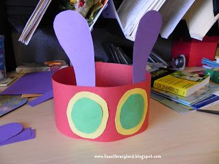 Libraryland: Very Hungry Caterpillar Headband http://lisaslibraryland.blogspot.com/2013/03/very-hungry-caterpillar-headband.html