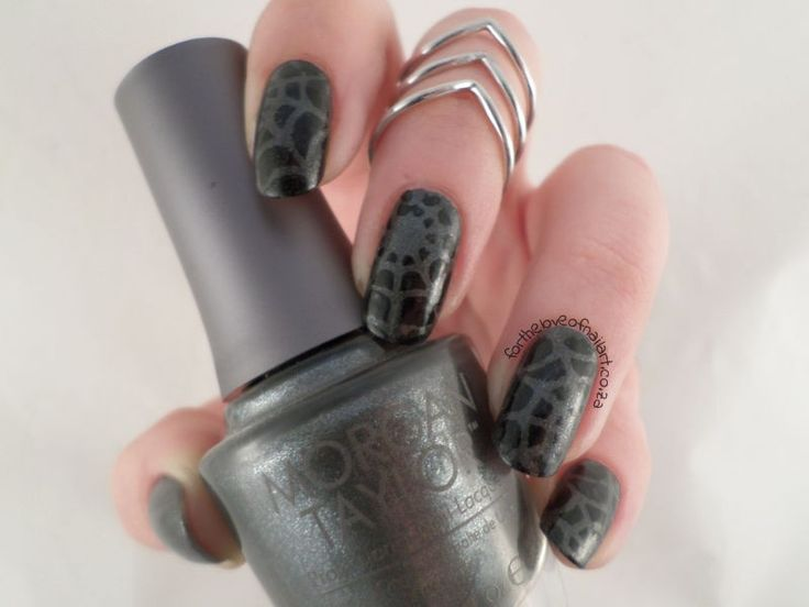For the Love of Nailart reviewed our spiderweb nail vinyls