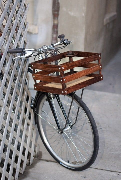 Classic handmade wood porter crates for bicycles by batescrates. Includes coffee cupholder, amazing!: Bicycles Baskets, Decor Ideas, Diy Fashion, Farmers Marketing, Cups Holders, Bike Baskets, Wooden Crates, Wood Crates, Bike Accessories