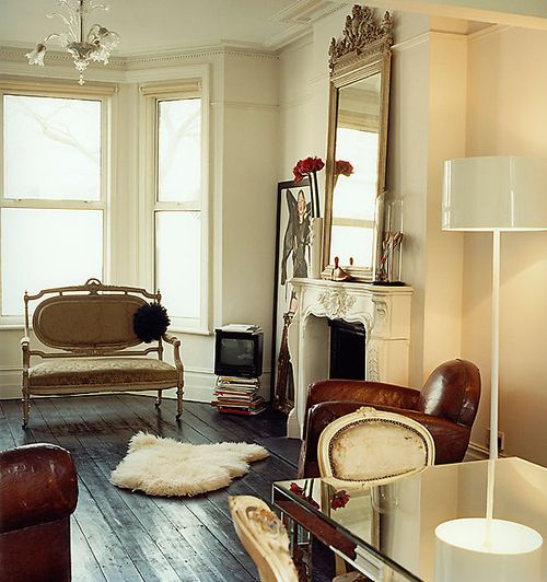 Beautiful French apartment. From the Decorista blog.