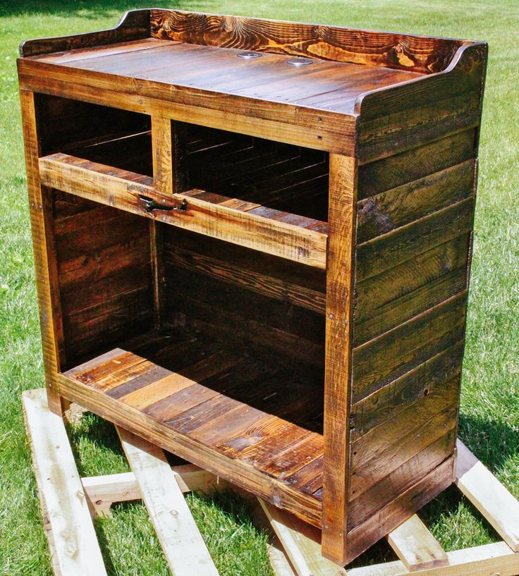 Handmade furniture, made of reclaimed wood from shipping pallets.
