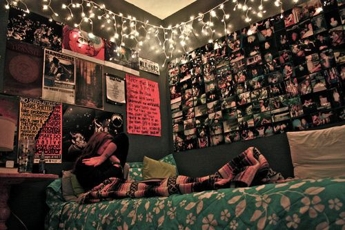 wanting this room. love the lights and picture collage thing..so cool