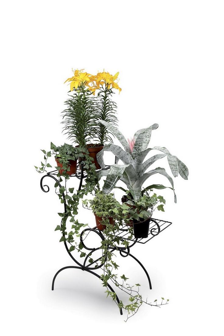 """Deko-Pflanzen Etagere. Wie in den legendären """"Hängenden Gärten"""" werden wunderschöne Pflanzen auf 2 Ebenen die Augen und Herzen der Betrachter erfreuen! Die geschwungene Form des Gestells gibt einen sanften Hintergrund für die Pflanzen in Kästen/Blumentöpfen. ca. 80 x 60 cm"""