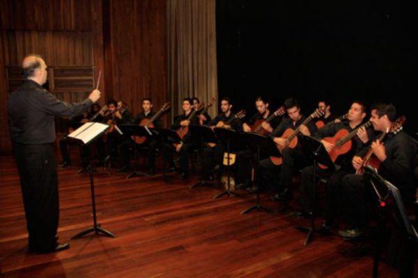 La Orquesta de Guitarras del Conservatorio de Música Simón Bolívar se presentará en la Sala Fedora Alemán del CNASPM http://crestametalica.com/la-orquesta-de-guitarras-del-conservatorio-de-musica-simon-bolivar-se-presentara-en-la-sala-fedora-aleman-del-cnaspm/ vía @crestametalica
