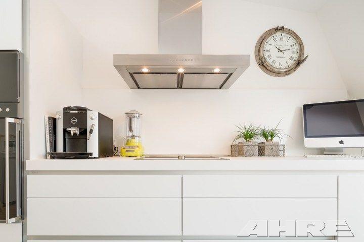 Post: Preparar el hogar para la primavera --> blog decoración nórdica, cambio horario, decoración exteriores, decoración interiores, hogar primavera, limpieza general, piso atico nódico, puesta a punto terraza