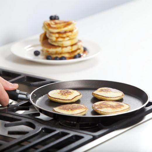 I want this!! Kitchen Craft 24cm Crepe or Pancake Pan - Yuppiechef