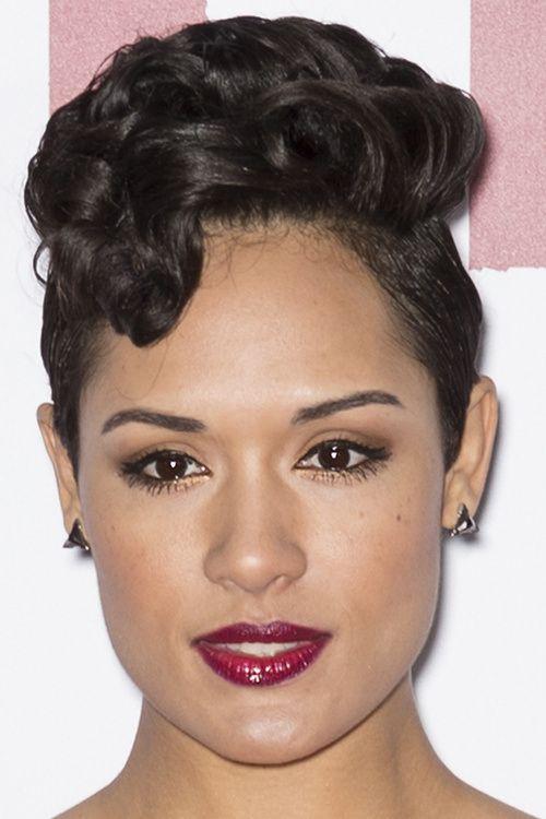 25 trending curly medium hairstyles ideas on pinterest