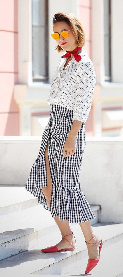 gingham skirt | ruffle skirt outfits | summer street styles | print mix | mixing prints outfits
