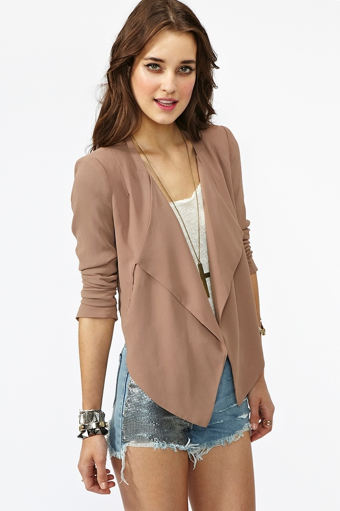 On The Edge Blazer, love how this is long in the front short in the back