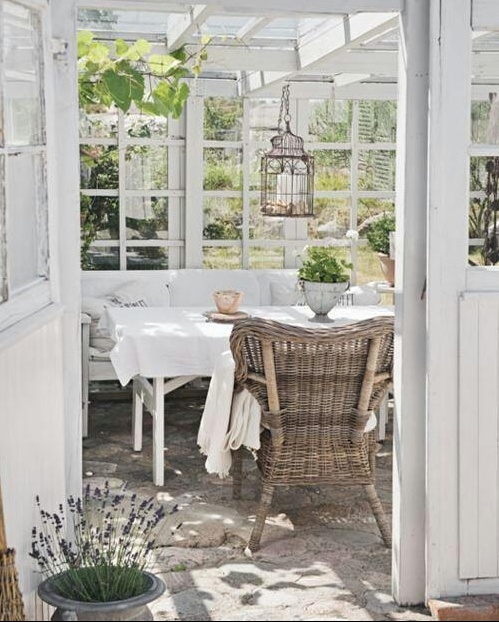 Beautiful Sun Room! glasshouse. Repinned by www.claudiadeyongdesigns.com and at www.thegardenspot.co.uk