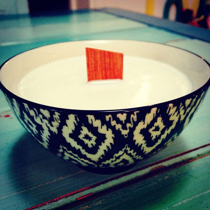 Thanks to Kelly for sharing this stunning candle, with wooden wick.