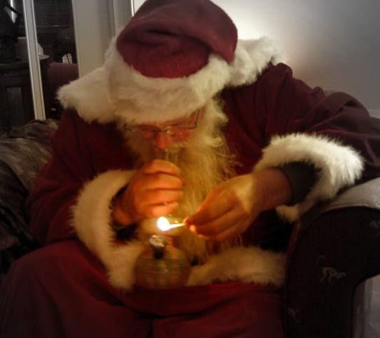 Santa taking Bong rips