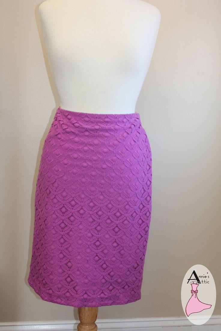 Ann Taylor Skirt, size 8 excellent conditon zipper back $25