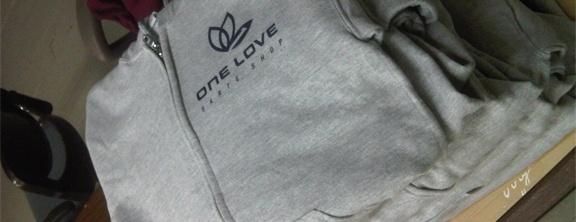 Use any kind of printing on hoodies in Alumni Print Lab.