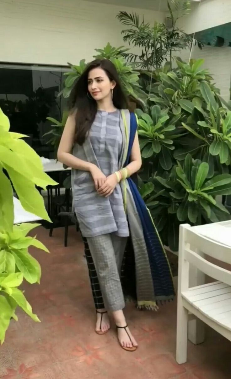 Sana Javed Top In 2019 Fashion Dresses Indian