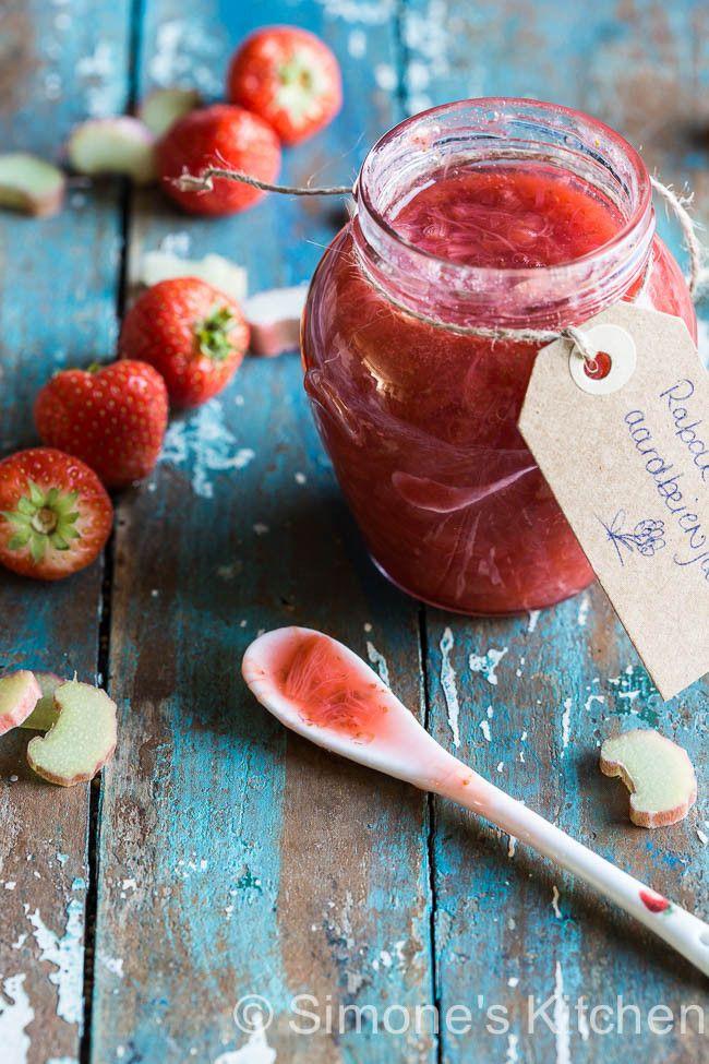 Rabarber-aardbeien jam http://simoneskitchen.nl/rabarber-aardbeien-jam/