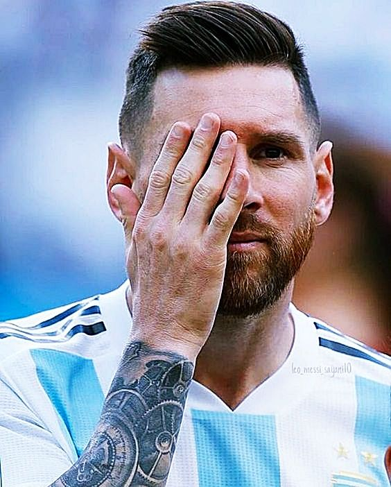 Pin By Dora On Messi Pose Leo Messi Messi Lionel Messi