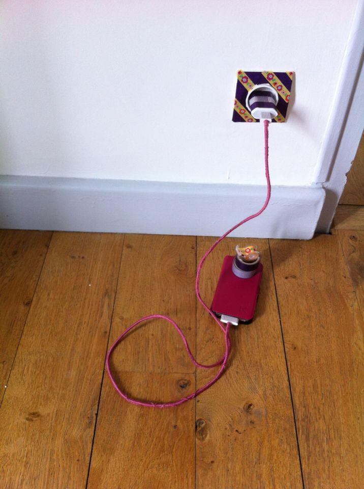 MaskingTape sur chargeur + prise électrique