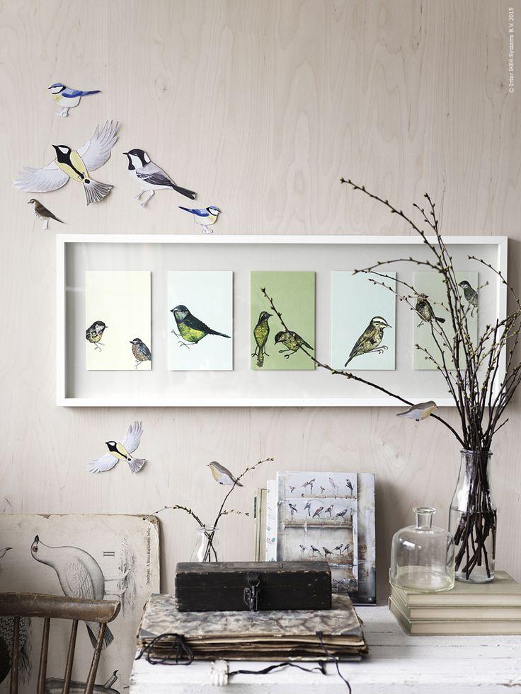 Nu är våra fåglar på väg hem från varmare breddgrader. Så fort soltimmarna blir fler reser de tillbaka norrut mot sina häckningsplatser. Från OLUNDA tavla låter vi fåglarna flyga ut på väggen genom att rita egna eller klippa ut bilder på söta fåglar.