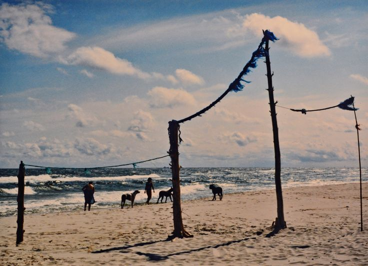 "Yury Ermolenko, ""HEAVENLY GATE"" (Land art project ""Baltic - Hel""), 2003, Hel Peninsula, Baltic Sea, Poland #YuryErmolenko #юрийермоленко #ЮрийЕрмоленко #yuryermolenko #юрiйєрмоленко #ЮрiйЄрмоленко #юрийермоленкохудожник #landart #balticsea #sea #sky #amazing #RapanStudio #photo #photography #metaphysics #metaphysical #philosophy #installation #лэндарт #инсталляция #art #contemporaryart #modernart #magic #texture #лэндарт #poland #hel #helpeninsula #artproject #искусство #creative"
