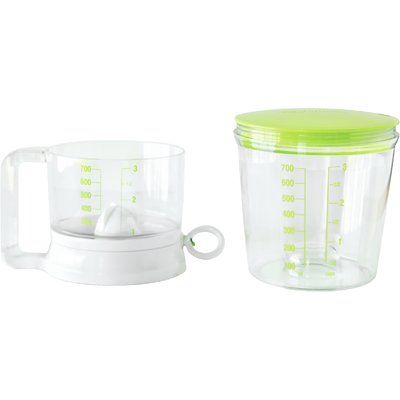 Fox Run Craftsmen Sifter 3-Cup Plastic Measuring Cup