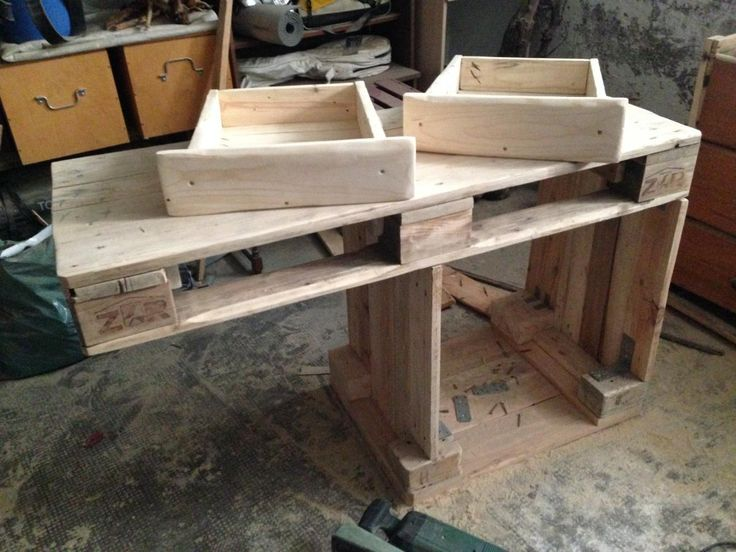 Euro Pallet dresser with bark beetle branches and LEDs - Making of