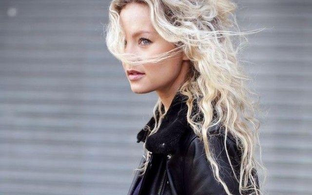 2015 Çekici Kıvırcık Saç Modelleri ve Renkleri | kadın ve trend