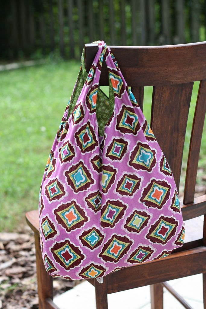 STITCHED by Crystal: Tutorial: Fat Quarter Reusable Grocery Bag with free pattern