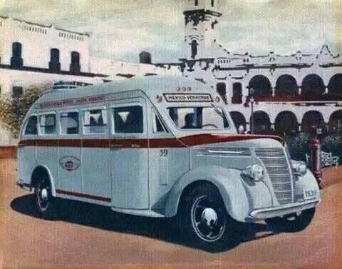 Camion marca Internacional de la ADO.