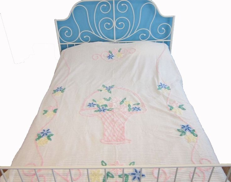 Vintage floral pattern chenille bedspread bed cover FLAWED