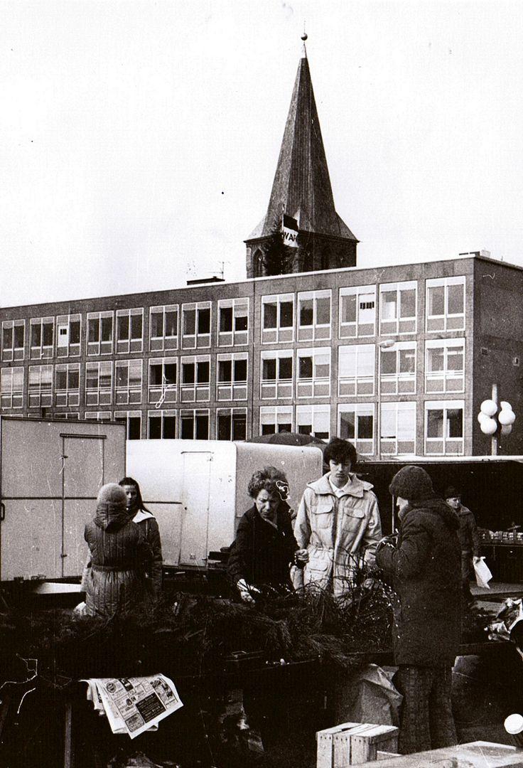 Historische Ansichten: Hamm Westfalen, Wochenmarkt 1983. Foto: Fausto Ciotti