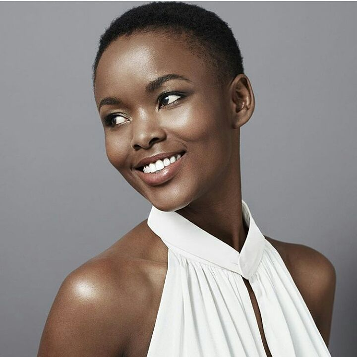 Flaviana Matata was born on 9th June 1988 in Tanzania.  She was the winner of the first edition of Miss Universe Tanzania competition held in 2007 and she represented her country in Miss Universe competition the same year. She finished at the sixth position. We should believe that God also created women even more beautiful than her  She then very quickly made a golden place in fashion in making show or in posing for magazines all over the world.  A sacred career path for this former student…