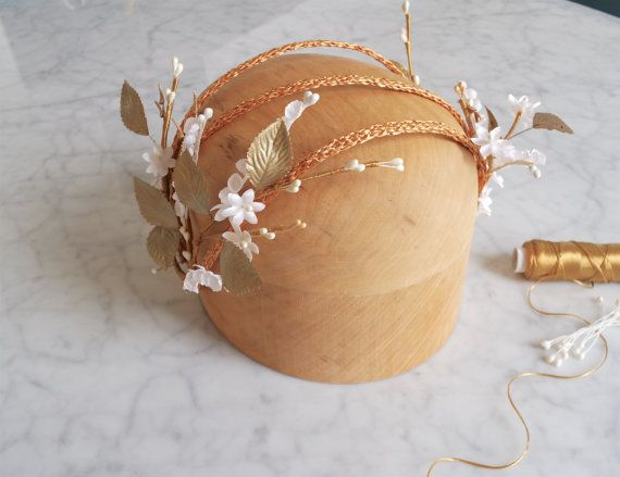 Bridal halo headpiece Bridal wreath Floral by PapillonsDeLeticia