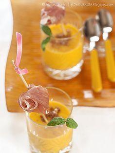 Bicchierini di crema di melone con prosciutto di Parma