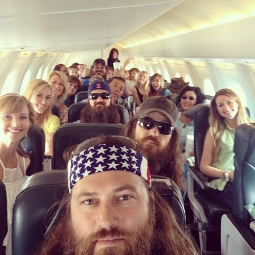 Duck Dynasty Nashville here we come!!! #CMAFest The Robertsons