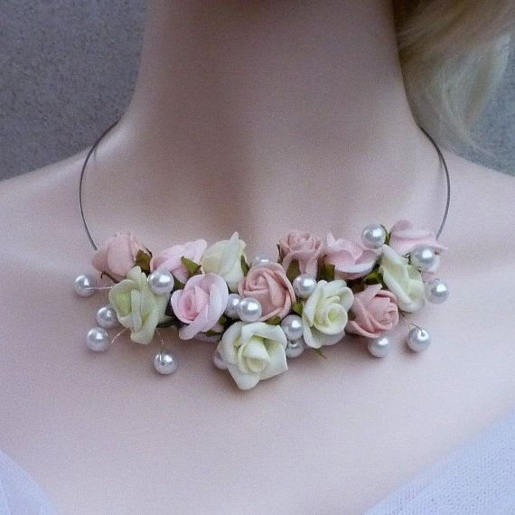 Flower  jewellery set by wandadesign on Etsy, €29.00