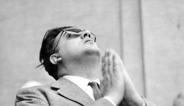 C'est pour célébrer les 50 ans de La Dolce Vita que le Musée du Jeu de Paume a décidé de mettre à l'honneur Federico Fellini. En grand fan du maître de Cinecittà, Sam Stourdzé, le commissaire de l'exposition, a regroupé bon nombre de témoignages visuels permettant de mieux appréhender l'artiste. Mais aussi l'homme.