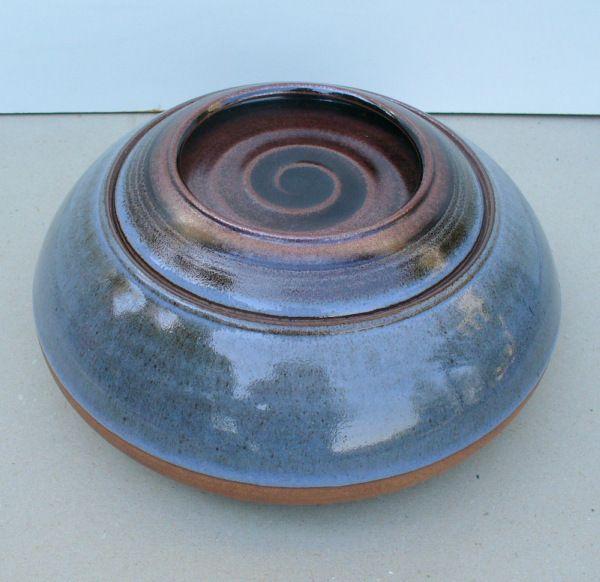 Ceramica manifattura Ceramica Arcore,anni '70. Coperchio asportabile. Torniante Terenzi su progetto/idea di Nanni Valentini. Info:design1958@gmail.com