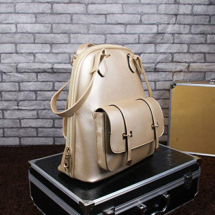 EK1244SN Gold Rp.185.000 Bahan PU Size 29cm x 27cm x 11cm ransel 800gr  #tas #bag #pouch #slingbag #handbag #cnk #wallet #backpack #baguette #bucket #clutch #envelope #foldoverclutch #hobo #minaudiere #satchel #shoulder #sling #tote #wristlet #suppliertasimport #import #elegant #beautiful #beauty #pump #heel #stiletto #wedges #kittenheels