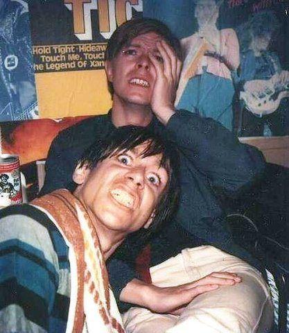 Bowie e Iggy Pop. Probablemente muy drogados para recordar que alguna vez, se tomaron esta foto.